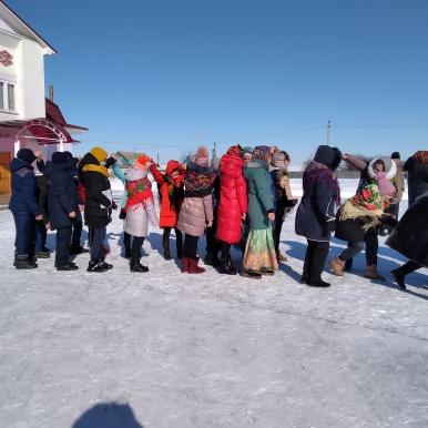 В селе Старая Теризморга состоялись массовые гуляния в честь Масленицы.