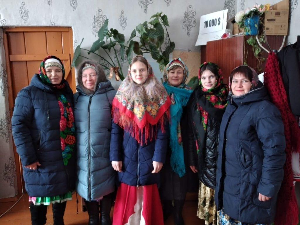В селе Лемдяй, на площади сельского клуба, состоялось празднование Масленицы.