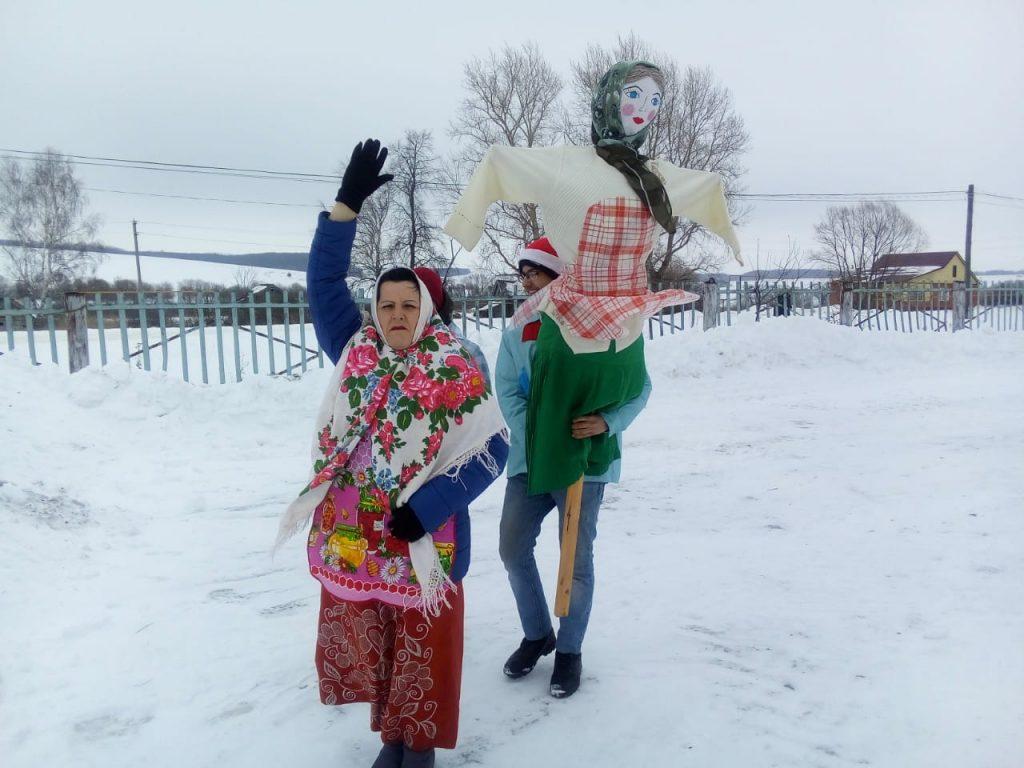 """На Широкую Масленицу возле здания Конопатского сельского клуба прошло народное гуляние «Масленица """""""
