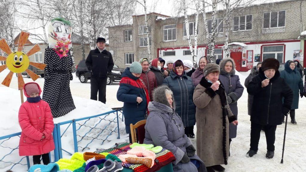 """Богдановский сельский клуб """"Широкую Масленицу"""" проводили весело и дружно."""