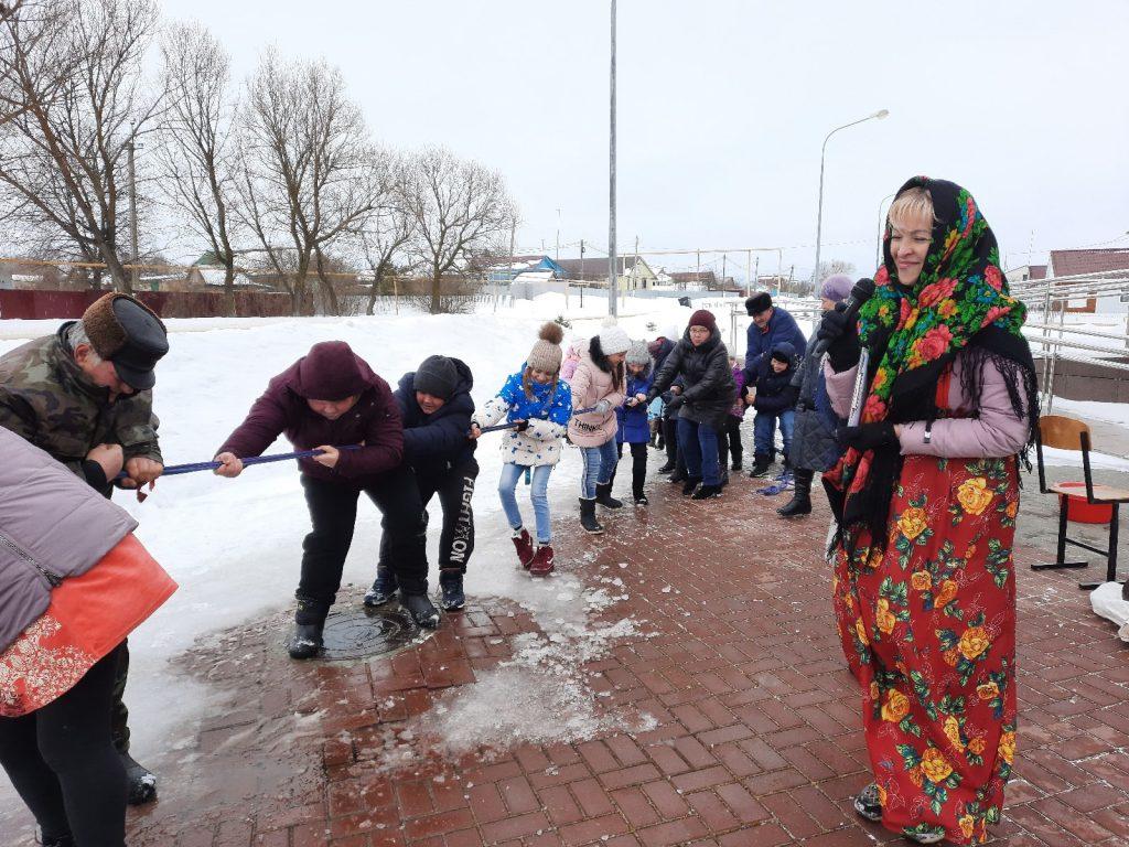В селе Новотроицкое прошли проводы Масленицы.