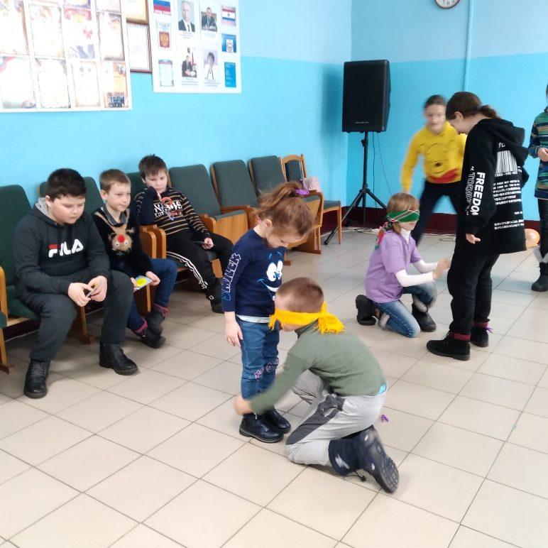 """1 апреля, в Старотеризморгском сельском клубе была проведена конкурсно-игровая программа """"Смехотерапия"""""""