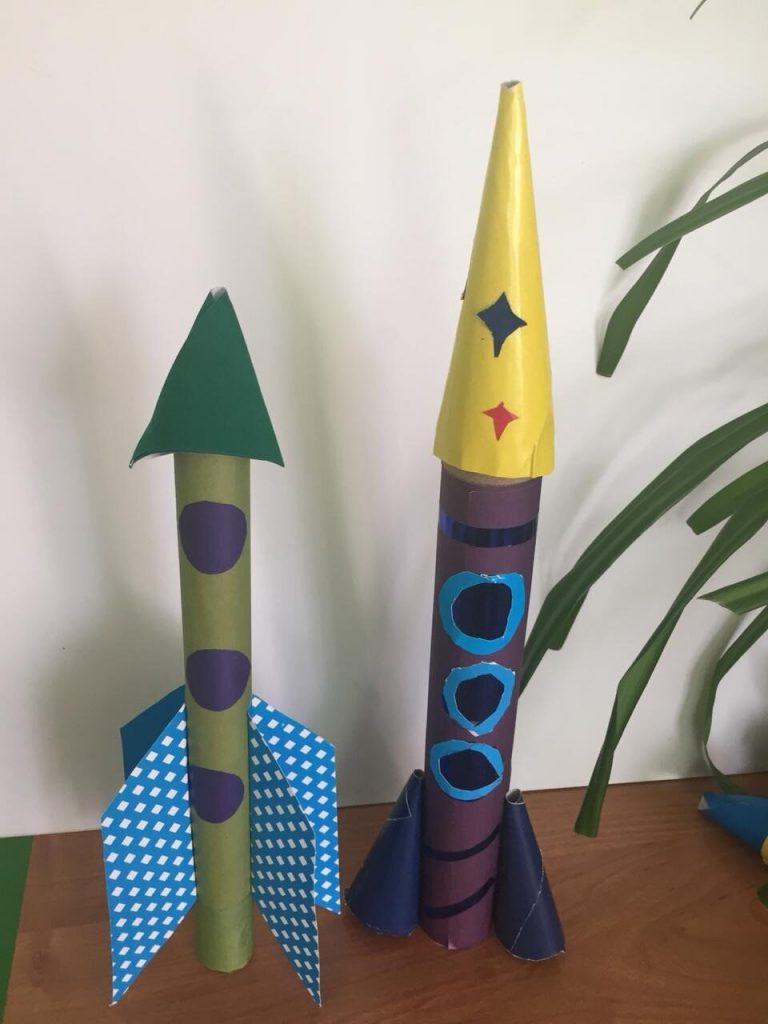 В Ингенер-Пятинском сельском клубе прошел конкурс рисунков и поделок на тему «Космические фантазии».