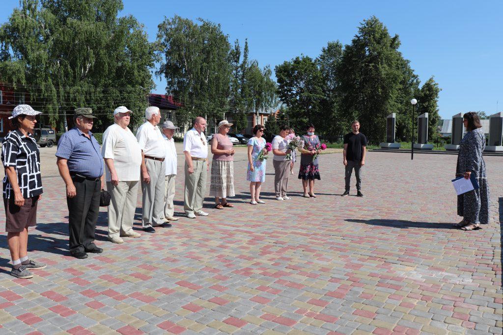 22 Июня 1941г День памяти и скорби Первый день Великой Отечественной войны 22 июня на центральной площади села Старое Шайгово состоялось возложение цветов к памятнику павшим войнам в годы Великой Отечественной войны.