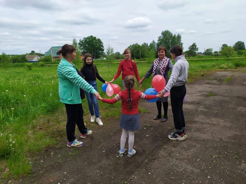 День защиты детей в Шуварском сельском клубе.