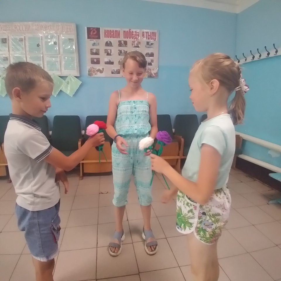 """Сегодня на кружке в Старотеризморгском сельском клубе с детьми была проведена интересная игра-викторина """"Хочу всё знать """"."""