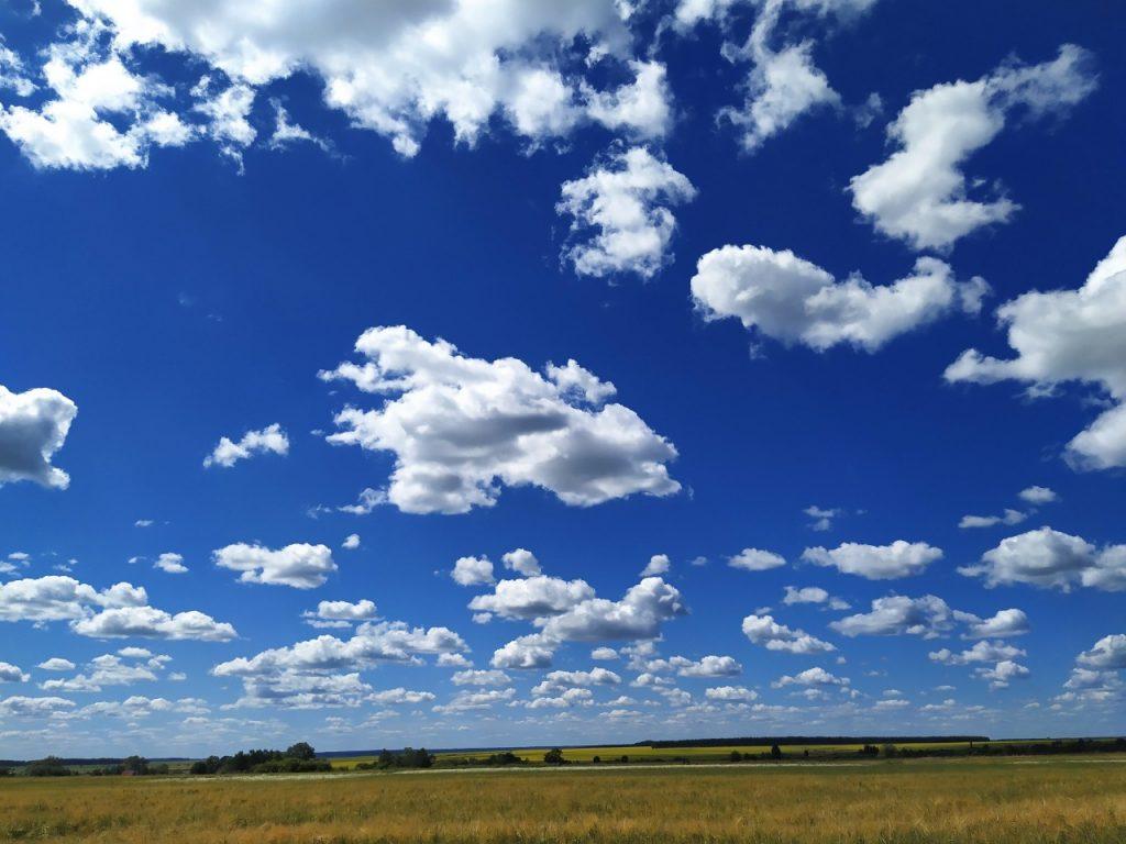 """Всё в памяти моей останется навек. И облака и речка и поля. Так дорога и так близка она, одна навеки Родина моя! Анастасия Краснова принимает участие в фотоконкурсе """"Село моё родное"""". с.Шувары"""