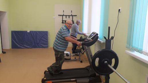 Двери Богдановского сельского клуба открыты для всех половозрастных групп.