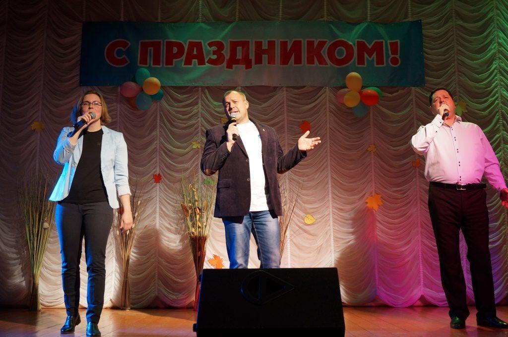 Благотворительный концерт в Новотроицком ДК